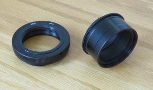 """Adapter: Links im Bild der Kameraadapter vom Kamerabajonett auf T2 und rechts im Bild der 2""""/T2 Adapter"""