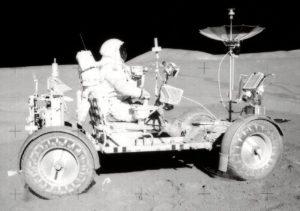 Der Mondrover mit Astronaut Scott, @NASA